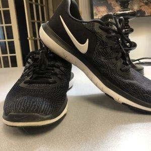 Women's Nike Flex Shoes Black Size 9.5